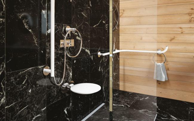 Giotto è una collezione di maniglie di sicurezza che nasce per rispettare il desiderio delle persone che hanno necessità di ausili di sicurezza riconducibili fortemente ai più classici accessori bagno.